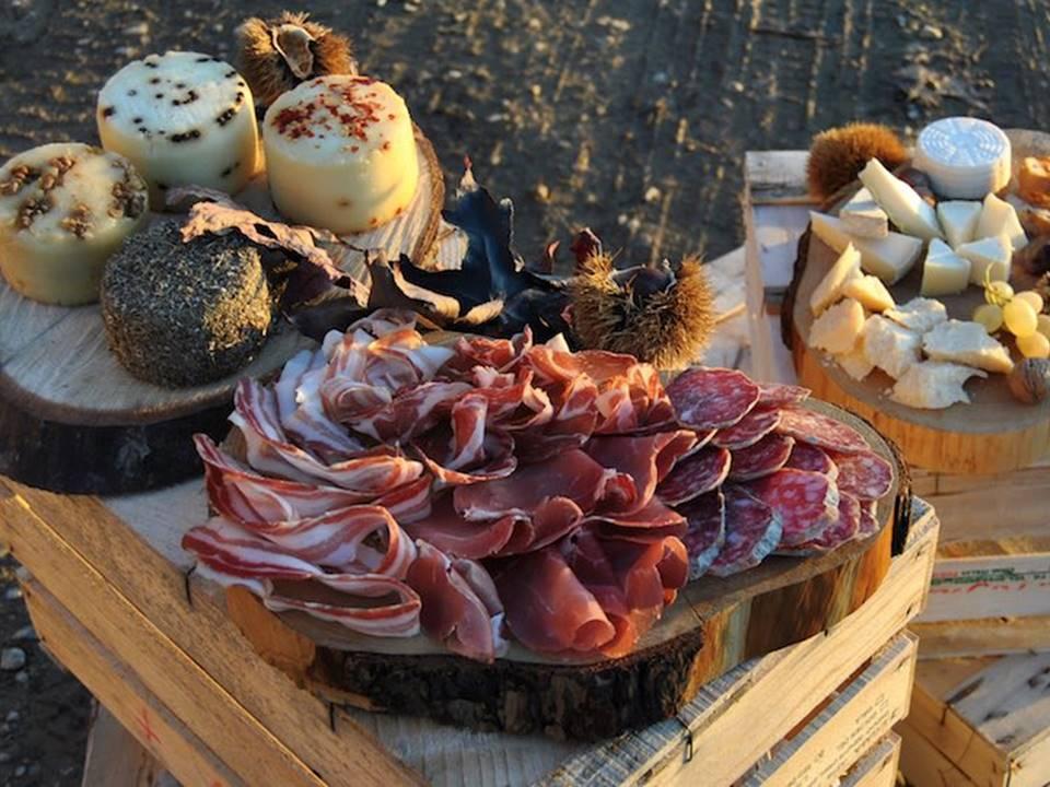 Pranzo, cena o aperitivo: mangiare all'aperto a Milano!